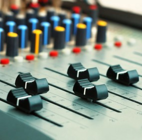 Mixing desk (the 30th of the month)