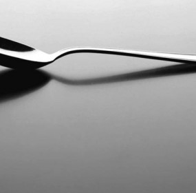 Spoon, Media Broth (shutterstock_78814126)