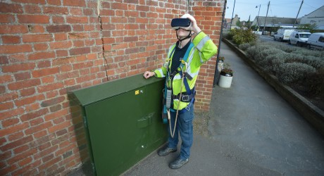 Openreach Apprentice Sam Last with VR headset on side facing (005)