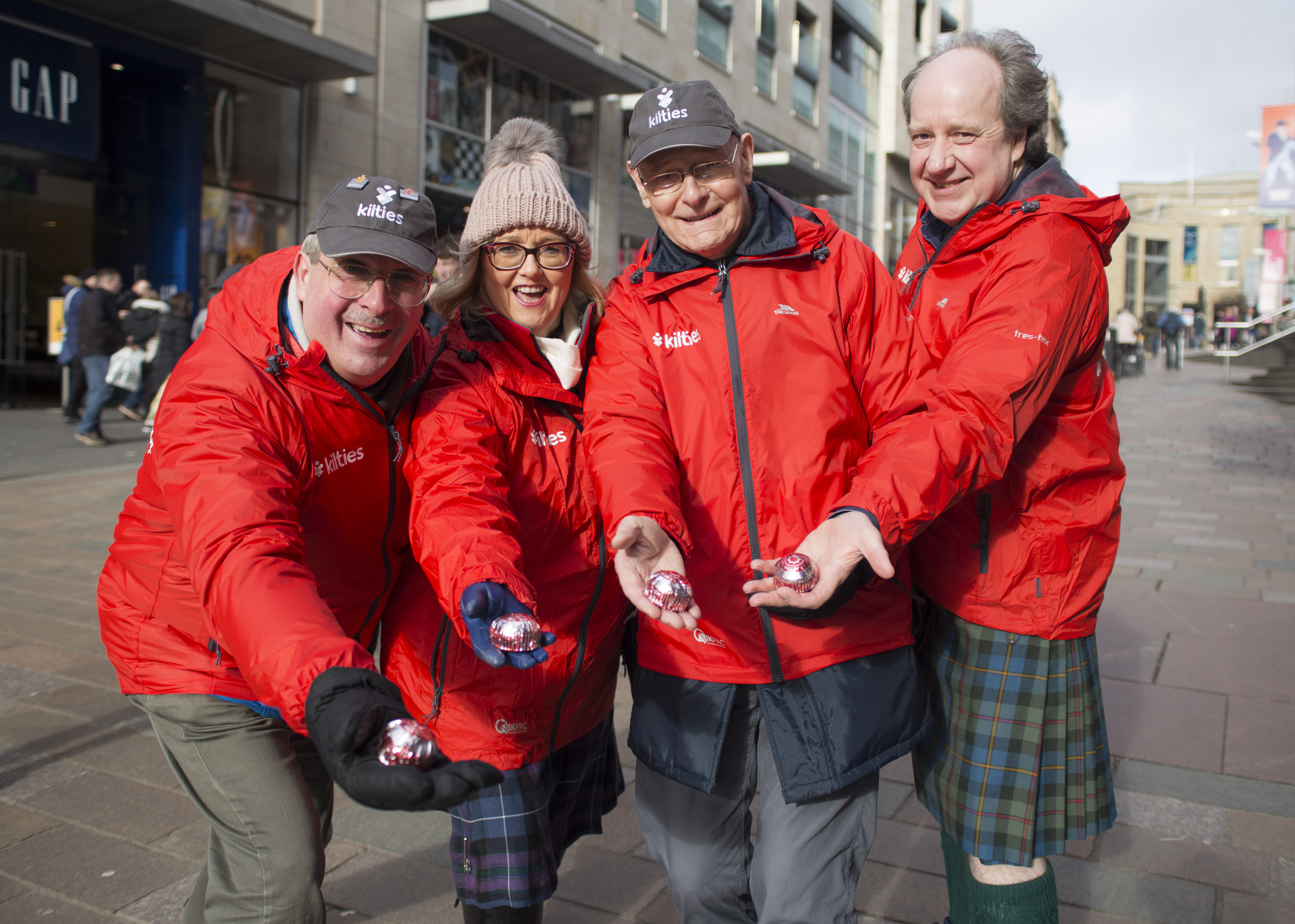 Media release: Kilties spread kindness with treat from Tunnock's
