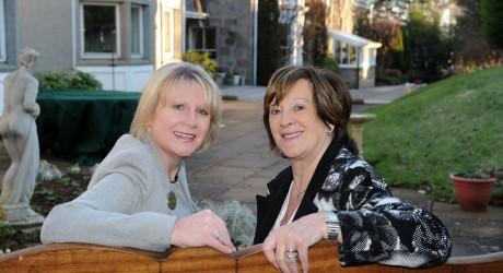 33731_Carol-Mainland-left-+-Rona-Tayler-right