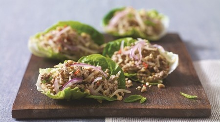 Thai pork lettuce cups
