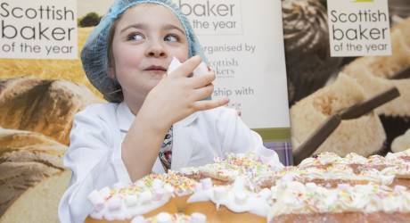 SWNS_SCOTTISH_BAKERS_01