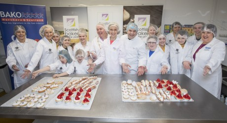 SWNS_SCOTTISH_BAKERS_09