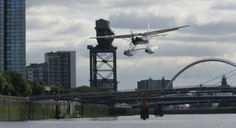 28283_Seaplane-over-Glasgow