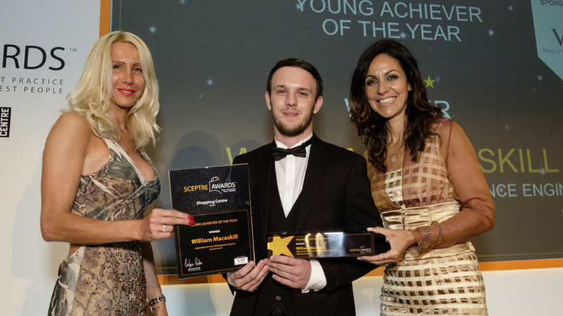 Media Release: intu Braehead apprentice wins national award