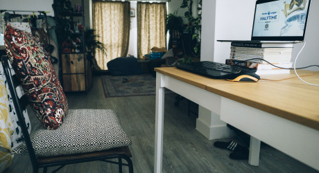 Furniture Industry Research Association warns businesses to support those wfh - credit www.pinyata.com