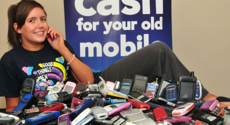 Redeem recycles mobile phones for O2 world record
