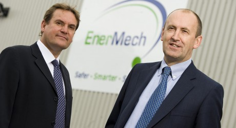 27811_EnerMech-Valves-Tim-Milne-left-with-managing-director-Doug-Duguid