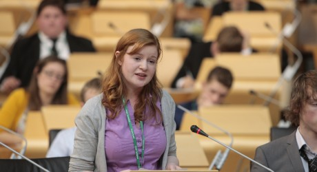 27601_MSYP-Rowena-Carlton-presents-petition