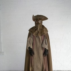 32129_Frank-To-dressed-as-a-mediaeval-plague-doctor-resize