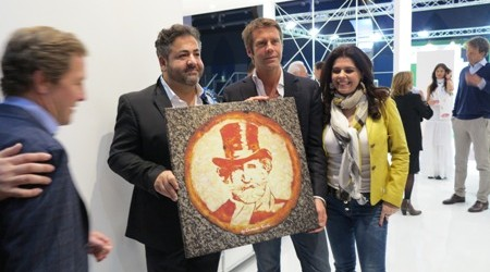 Domenico Crolla Left presents Emanuele Filiberto with pizza portrait of Giuseppe Verdi allmedia