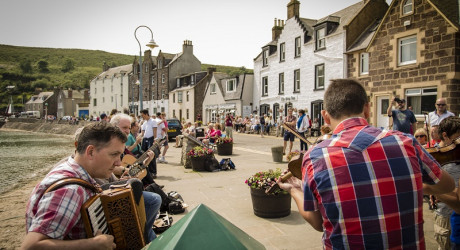 AB_Stonehaven_Folk_Festival_Session